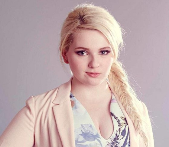 How much is Abigail Breslin worth