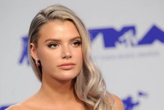 How much is Alissa Violet worth