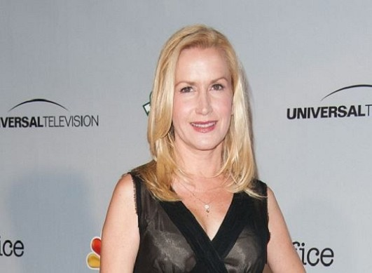 How much is Angela Kinsey worth