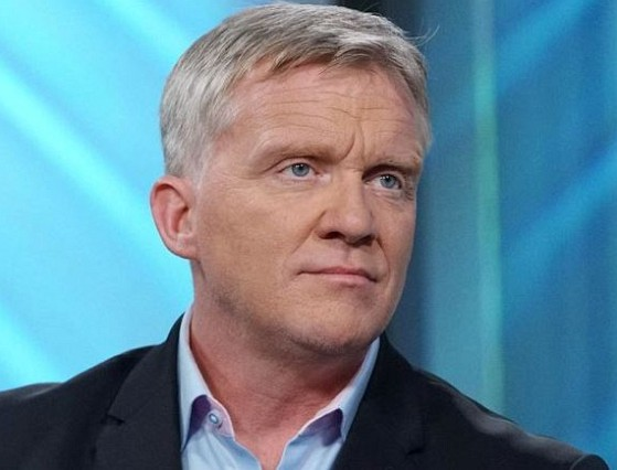 How much is Anthony Michael Hall worth