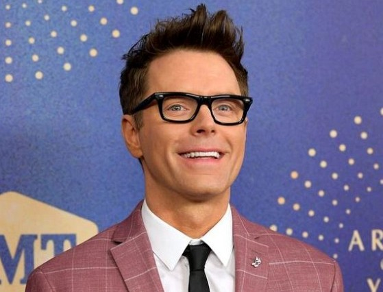 How much is Bobby Bones worth