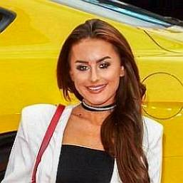 How much is Amber Davies worth